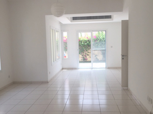 3BR plus maid and study Villa for Rent Maeen Lakes