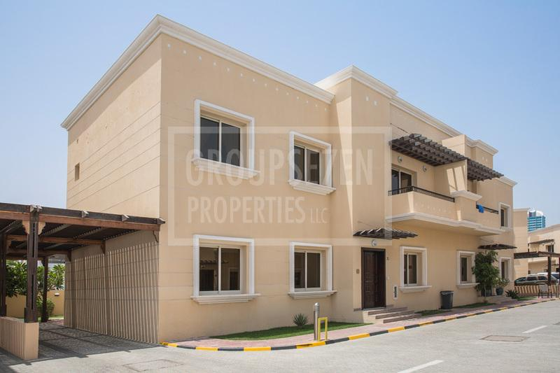 amazing-unfurnished-5-bed-villa-with-maid-room-in-al-barsha-1-for-rent